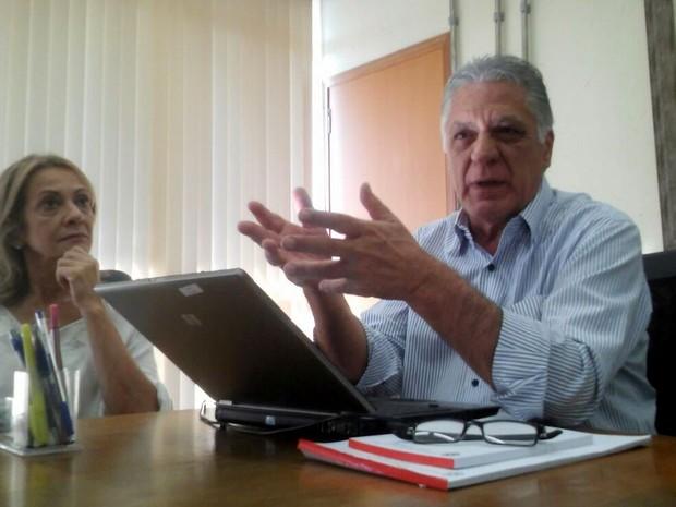 Gabriel Ferrato ao lado da mulher Selma Ferrato em Piracicaba (Foto: Weslay Justino/EPTV)