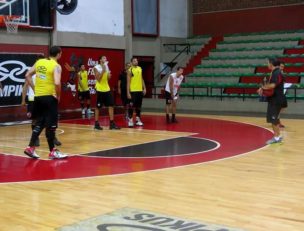 basquete nbb jogadores flamengo treino (Foto: Marcello Pires)