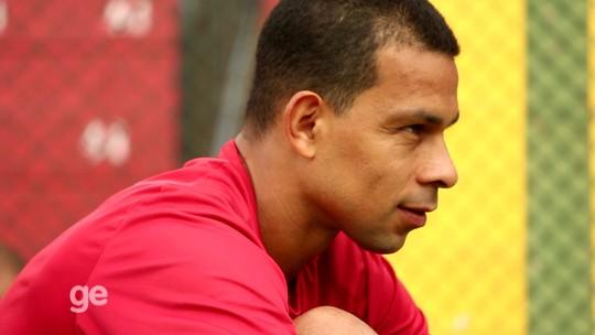 Ex-curinga do Palmeiras revela clima de vestiário com Edmundo e Valdívia