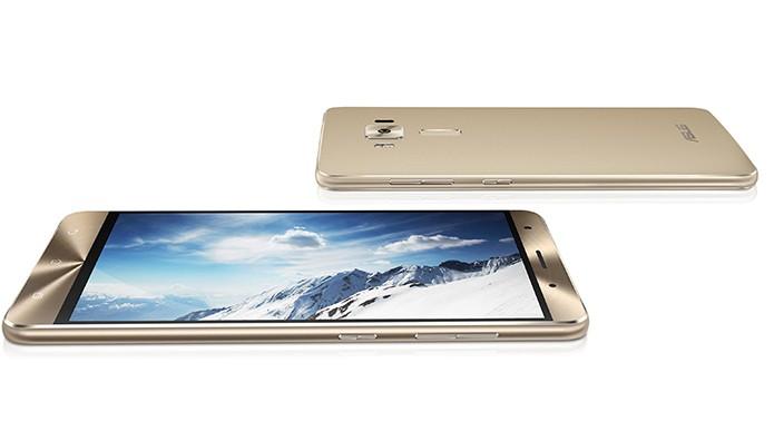Zenfone 3 Deluxe é a versão mais poderosa dos tops da Asus (Foto: Reprodução/Elson de Souza)