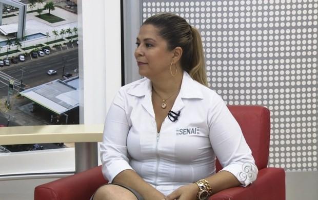 Representante do setor de desenvolvimento do Senai fala sobre as vagas (Foto: Roraima TV)