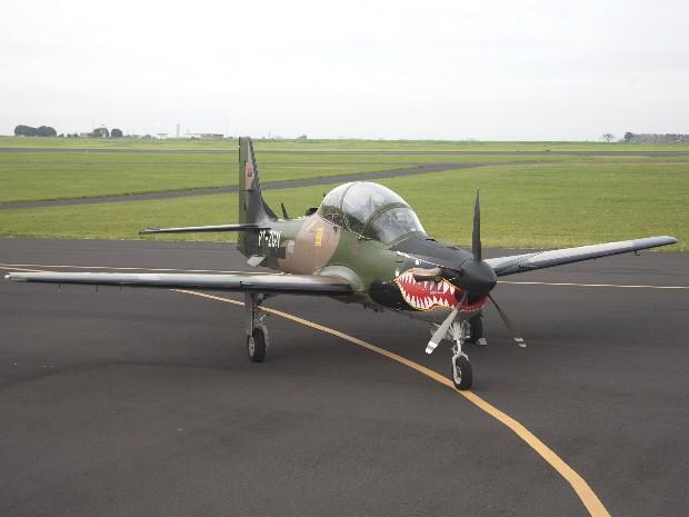Modelo A-29 Super Tucano entregue à Força Aérea Nacional de Angola pela Embraer. (Foto: Divulgação/Embraer)