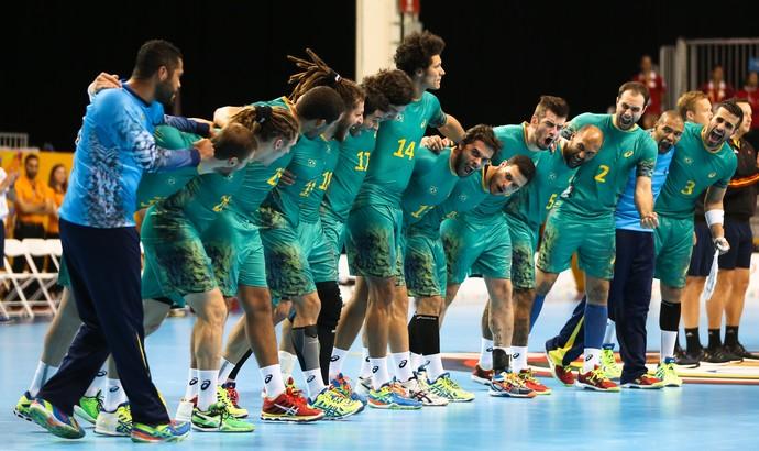 Equipe brasileira comemora vaga na final dos Jogos Pan-Americanos (Foto: Saulo Cruz/Exemplus/COB)