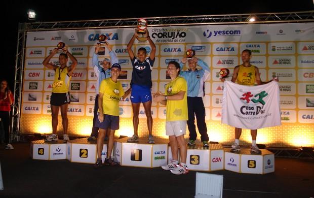 Pódio masculino Circuito Corujão (Foto: Alexandre Minardi / Cruzeiro)
