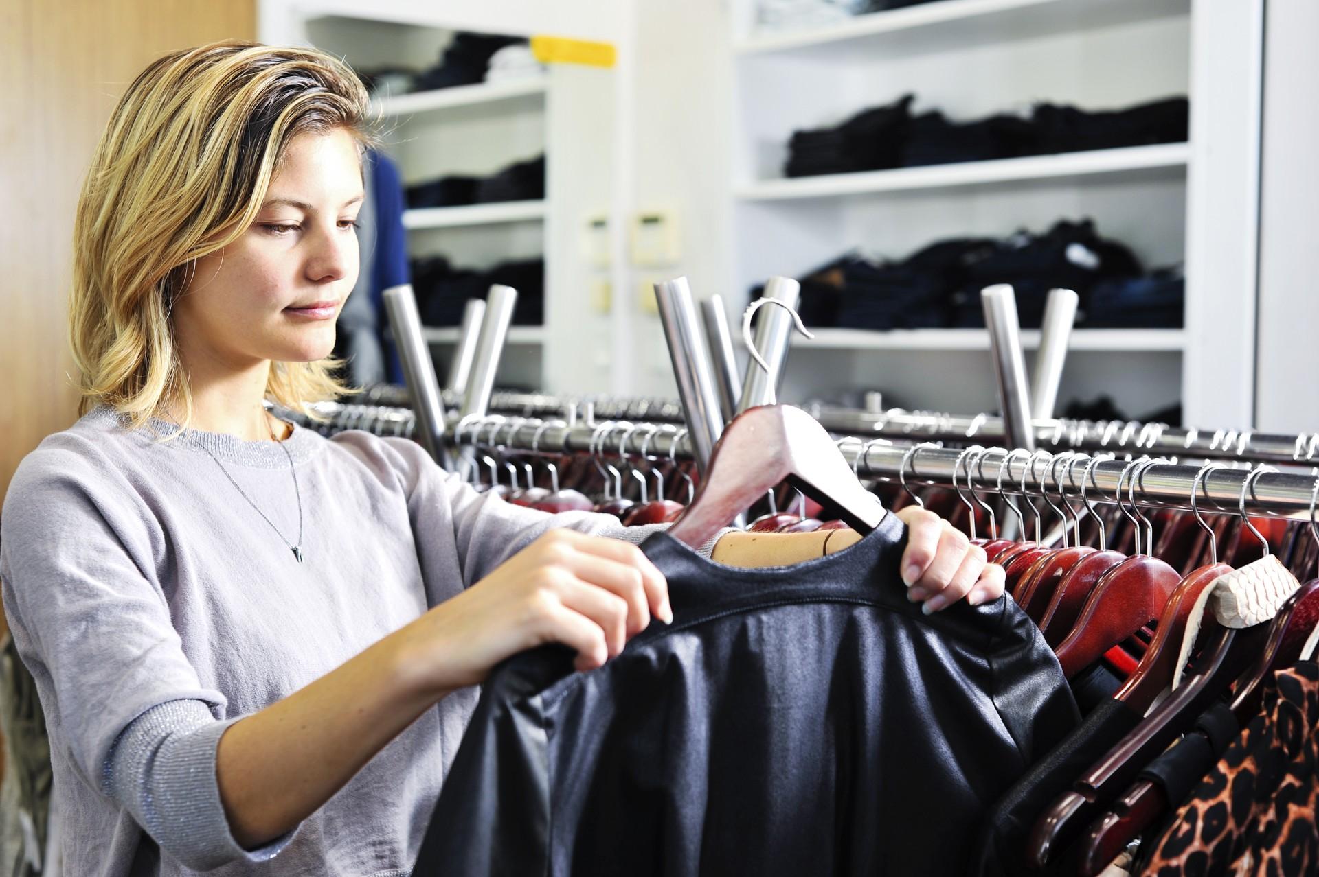 Stylist das atrizes de Hollywood entrega segredos para renovar o guarda-roupa na troca de estação