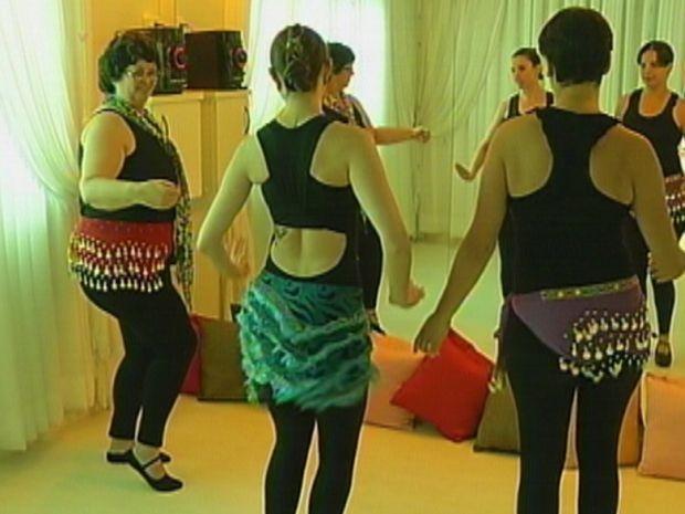 Nas aulas, as participantes aprendem a se olhar novamente no espelho  (Foto: reprodução/TV Tem)