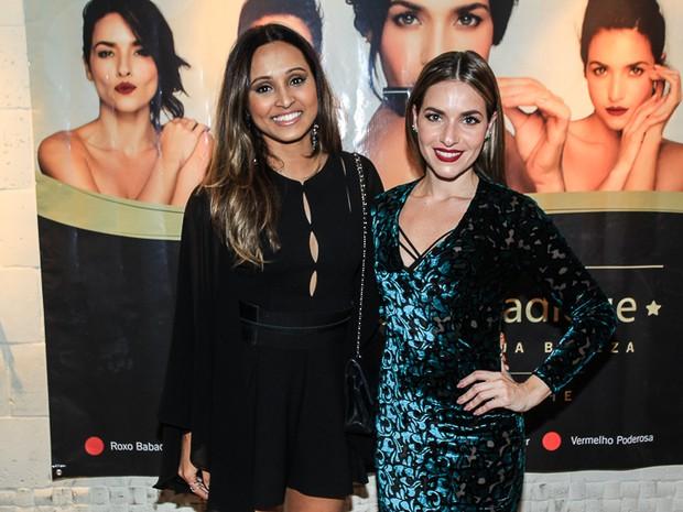 Thaíssa Carvalho e Monique Alfradique em evento na Zona Oeste do Rio (Foto: Marcello Sá Barretto/ Ag. News)