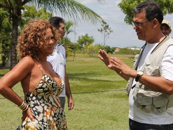 Bastidores da gravação com a contora Irah Caldeira para a TV Grande Rio. (Foto: Gabriela Canário)