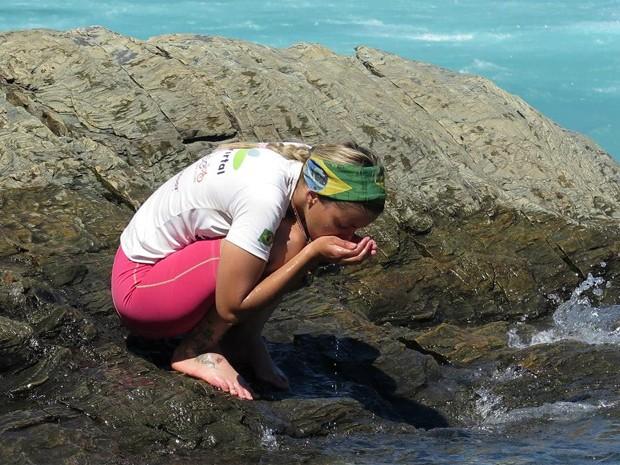 Em Coyhaique, no Chile, o jeito foi matar a sede na lagoa (Foto: Arquivo pessoal)