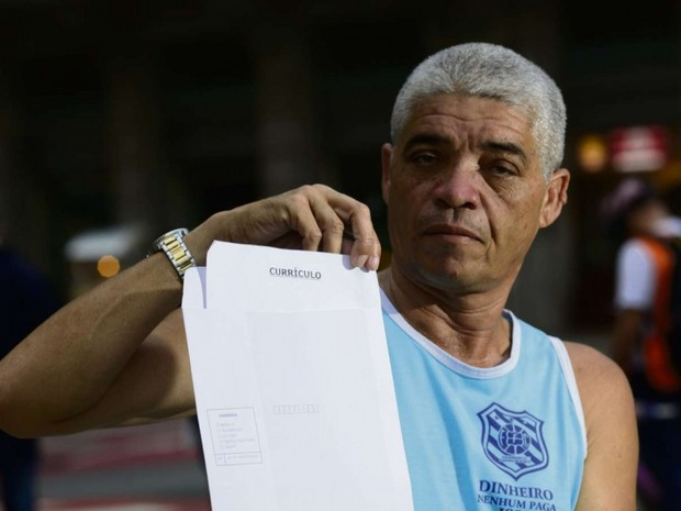 Amilton busca emprego, mas vê poucas chances (Foto: Ricardo Medeiros / A Gazeta)