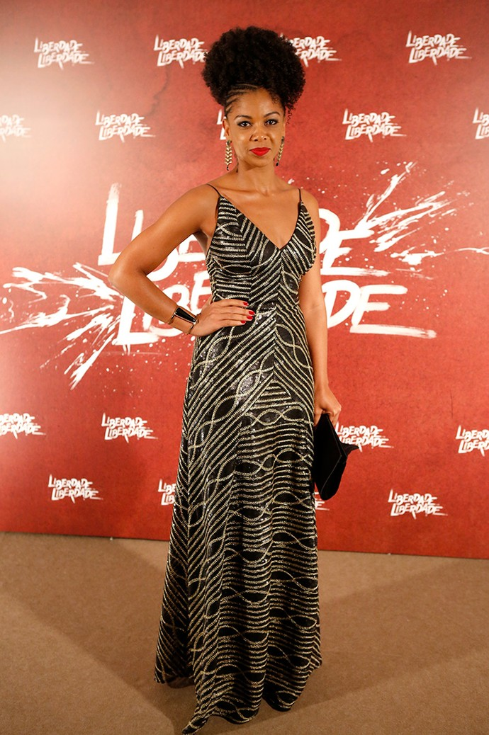 Heloisa Jorge arrasou no look! Destaque para o penteado superestiloso (Foto: Fabiano Battaglin/Gshow)
