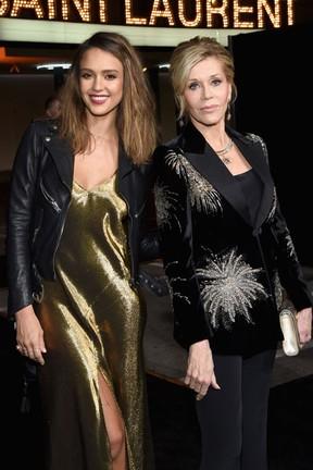 Jessica Alba e Jane Fonda em evento de moda em Los Angeles, nos Estados Unidos (Foto: Larry Busacca/ Getty Images/ AFP)