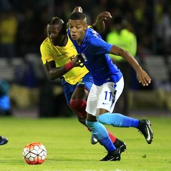 Seleção sub-20 Pervis Estupiñan David Neres Brasil x Equador (Foto: EFE)