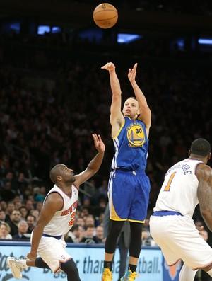 Stephen Curry no jogo da NBA do Warriors contra o Knicks (Foto: AP)