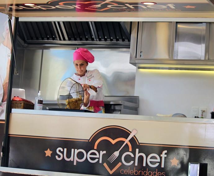 Bianca no food truck (Foto: Carolina Morgado/Gshow)