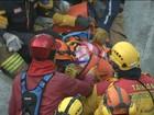 Bombeiros resgatam quatro pessoas de prédio que desabou em Taiwan