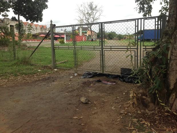 Jovens são assassinados em Penedo, RJ. (Foto: Elisa Veiga/TV Rio Sul)