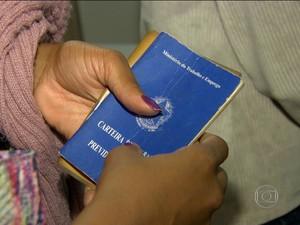 JN - carteira de trabalho (Foto: Reprodução/Jornal Nacional)