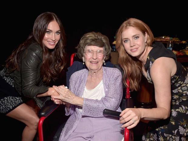 Amy Adams,Evylena Shubarth e Megan Fox em evento em Las Vegas, nos Estados Unidos (Foto: Alberto E. Rodriguez/ Getty Images/ AFP)