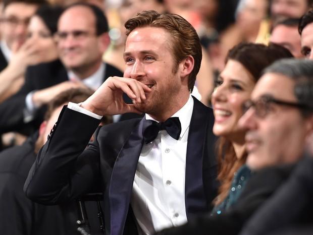 Ryan Gosling é um dos famosos que levantam a bandeira do feminismo. Dá para se apaixonar mais? (Foto: Getty)