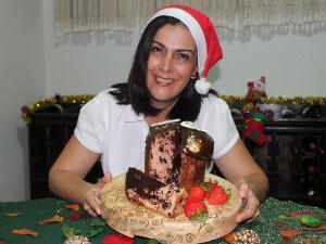 Neiva Terceiro ensina a fazer uma sobremesa para a ceia do Natal (Foto: Gabriela Alves/ G1 CE)