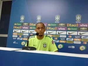 Fabinho; coletiva seleção olímpica em Maceió; Rei Pelé (Foto: Leonardo Freire/GloboEsporte.com)