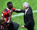 Balotelli perde pênalti, mas Nice vence Lyon e dispara na liderança do Francês