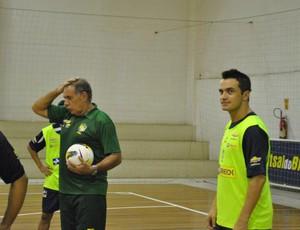 Com Falcão, Ney Pereira comanda treino da seleção brasileira em Caucaia (Foto: Viviane Sobral/CBFS)