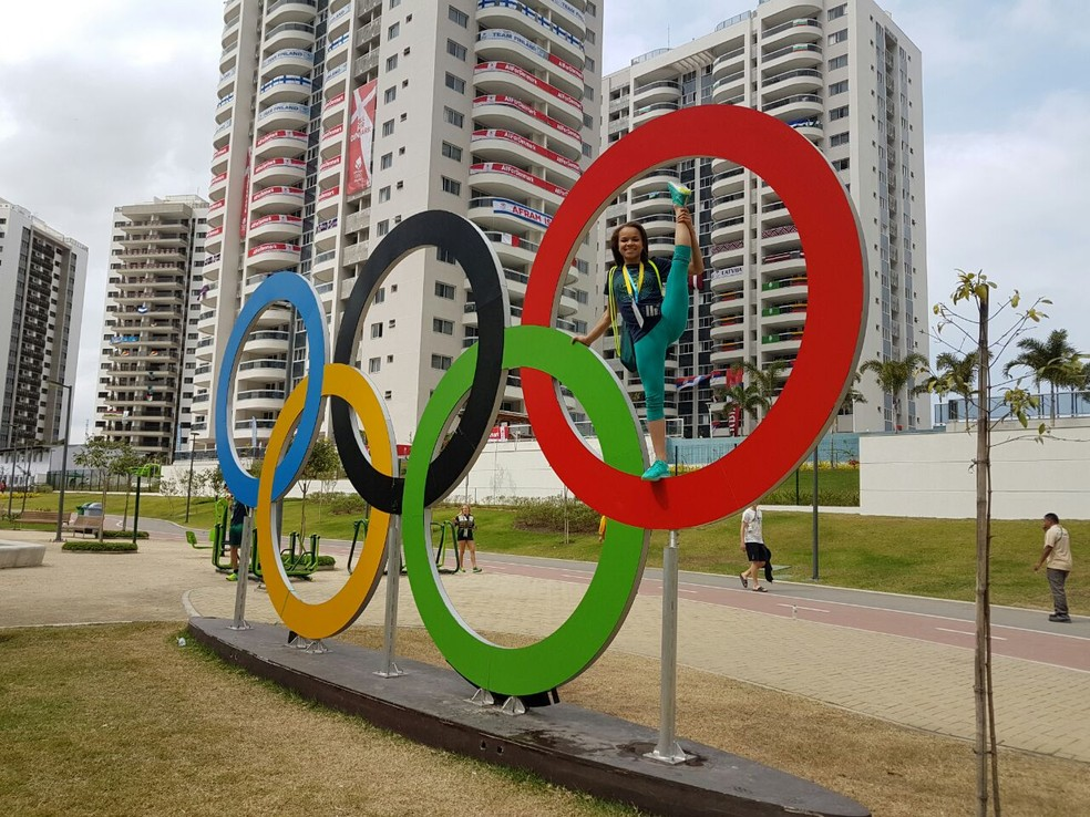 Thais Fidelis participou do projeto Vivência Olímpica no Rio para se ambientar com os Jogos de olho em Tóquio 2020 (Foto: Reprodução/Facebook)