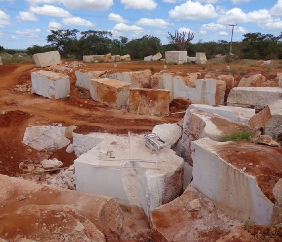 MP denuncia 'extração ilegal' de  mármore na BA (Foto: Divulgação/MP-BA)