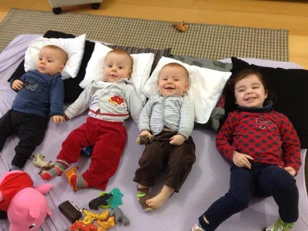 Michele Kaiser é mãe de trigêmeos e uma menina de dois anos em Caxias do Sul, RS (Foto: Arquivo Pessoal)