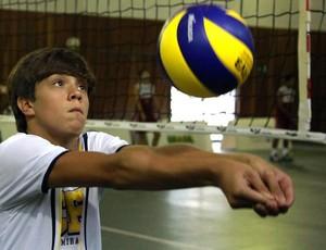 Marcelo Resende está na Seleção Brasileira Escolar (Foto: Satiro Sodre/COB)