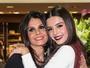 Giovanna Lancellotti posa com a mãe em evento e semelhança impressiona
