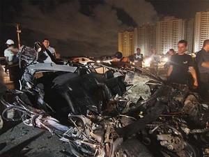 Veículo atingido (Foto: Canindé Soares)