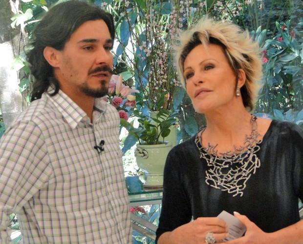 Ator revê cenas de Áureo e conta que personagem marcou muito (Foto: Mais Você / TV Globo)