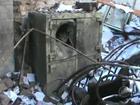 Quadrilha desliga rede telefônica e destrói banco com série de explosões
