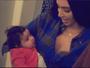 Kim Kardashian posa com a sobrinha Dream no colo: 'Menina linda'