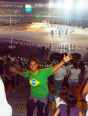 Edilia Aparecida Mendes, de Uberaba, voluntária na Copa do Mundo 2014, na abertura do Pan do Rio (Foto: Arquivo Pessoal)