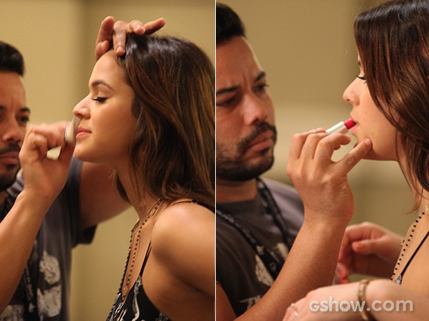 Bruna Marquezine é maquiada antes da gravação (Foto: Pedro Curi / TV Globo)