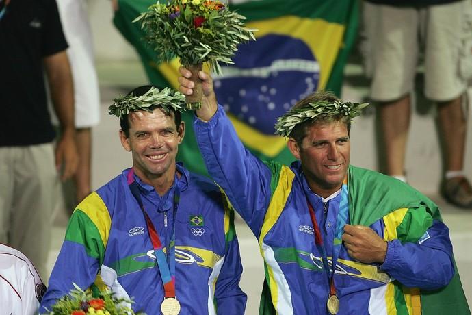 Torben Grael conquistou o ouro da classe Star em Atenas 2004, ao lado de Marcelo Ferreira  (Foto: Getty Images)