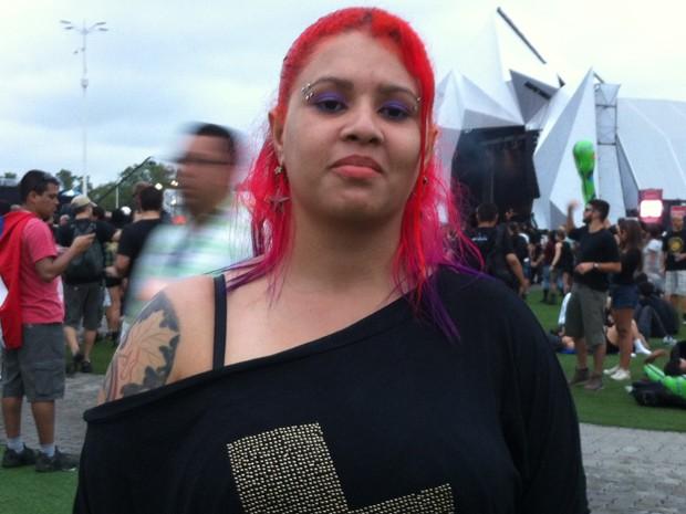 Débora Lima, 26 anos, de Belo Horizonte, já teve cabelo rosa, azul, verde, entre outras cores (Foto: Letícia Mendes/G1)