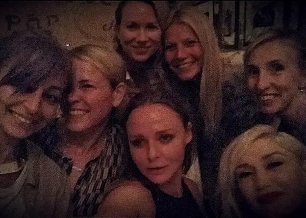 A noite das meninas de Gwyneth Paltrow envolveu Nicole Richie, Chelsea Handler, Naomi Watts, Gwen Stefani e Stella McCartney  (Foto: Instagram)