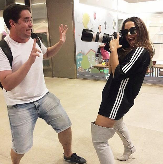Anitta e paparazzo (Foto: Reprodução/Instagram)