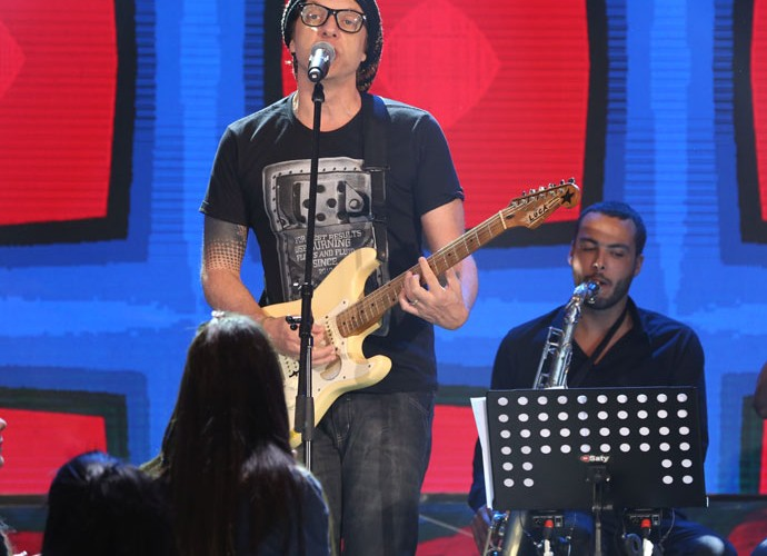 Vinny canta uma versão para 'Morena de Angola' (Foto: Carol Caminha/Gshow)