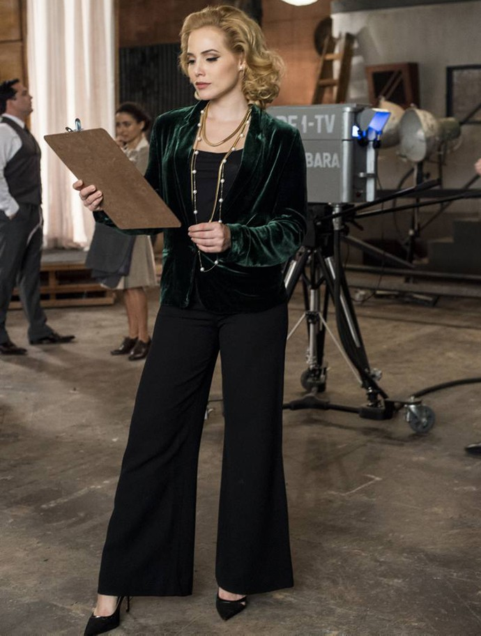 Julia fica deslumbrante com qualquer roupa! (Foto: Estevam Avellar / TV Globo)