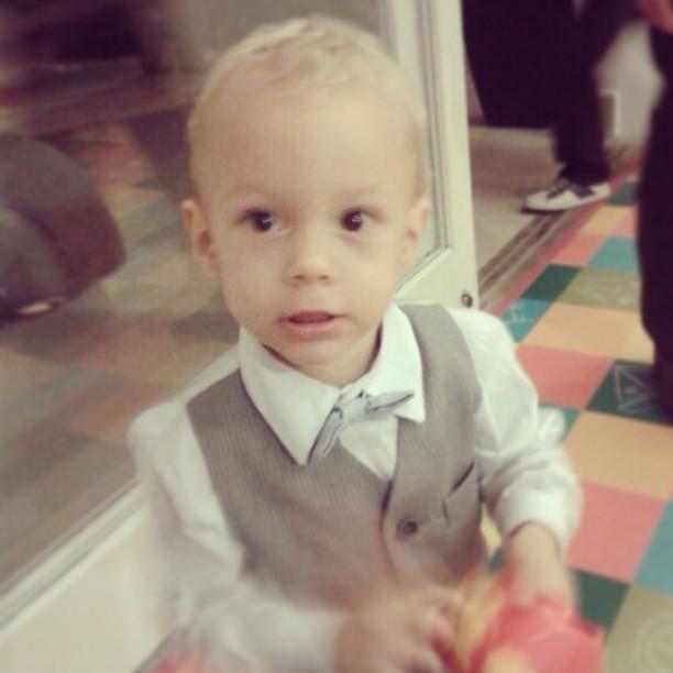Filho de Neymar aparece de terninho  (Foto: Reprodução/Instagram)