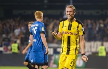Schürrle marca, e Dortmund elimina time da Quarta Divisão em Copa