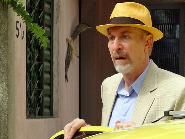 Thompson fica horrorizado ao conhecer o Complexo do Alemão (Foto: Salve Jorge/TV Globo)