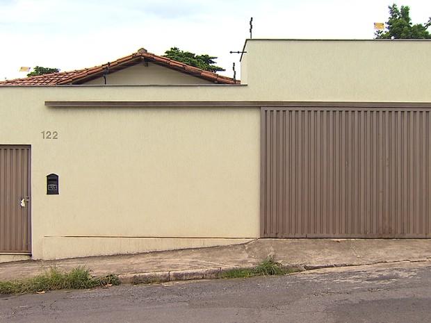 Três mulheres e três cachorros são encontrados mortos dentro de casa no bairro Glória, na Região Noroeste de Belo Horizonte (Foto: Reprodução/TV Globo)