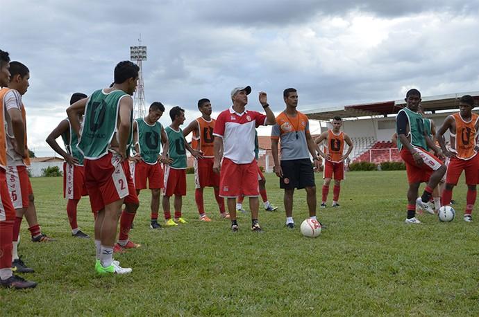 Flávio Leite, novo treinador do 4 de Julho para o Campeonato Piauiense (Foto: Clemilton Silva/Reporter10.com)